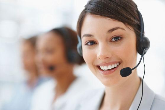 chica atención al cliente call center