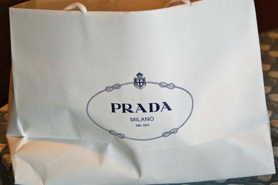 Bolsa blanca de papel de Prada