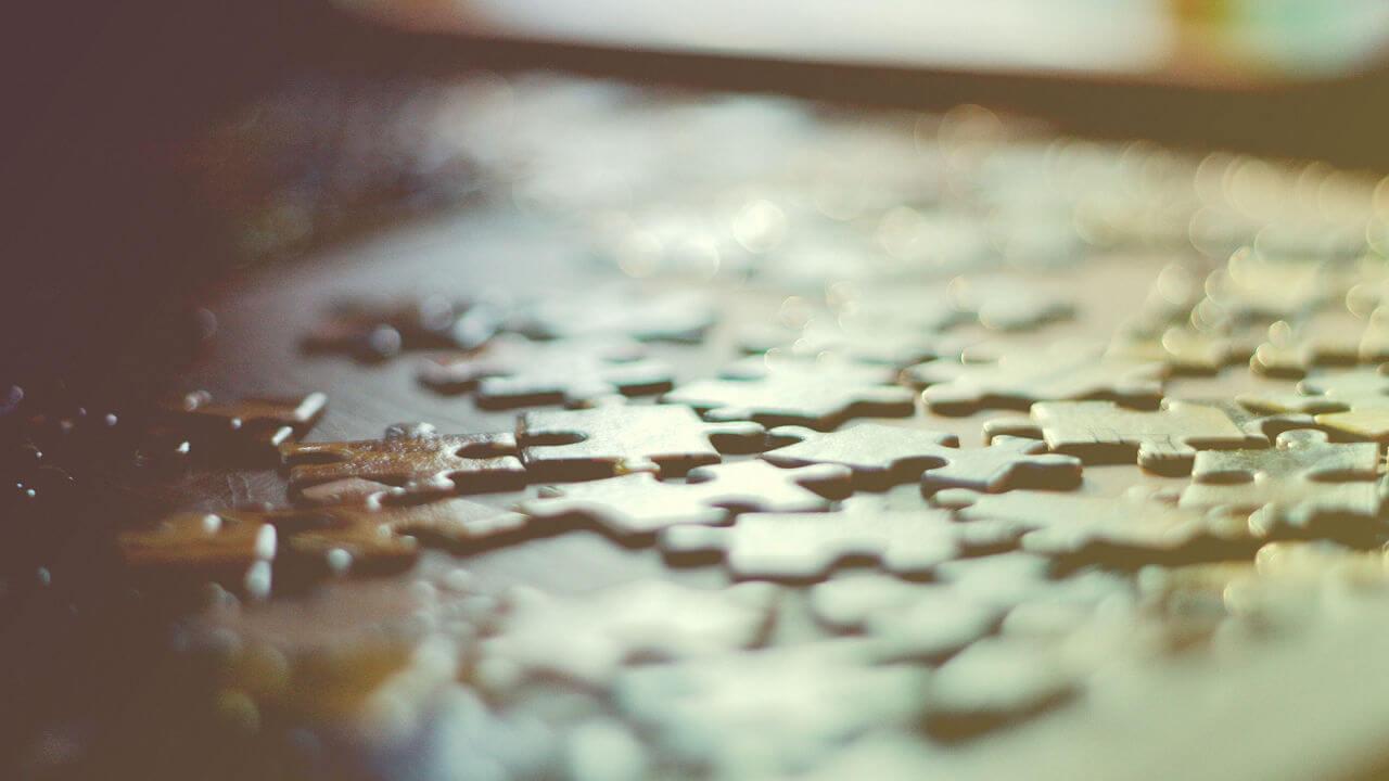 Puzzle como analogía de la diversidad de factores que influyen en la experiencia de cliente